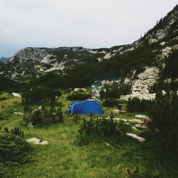 палатки-в-планината